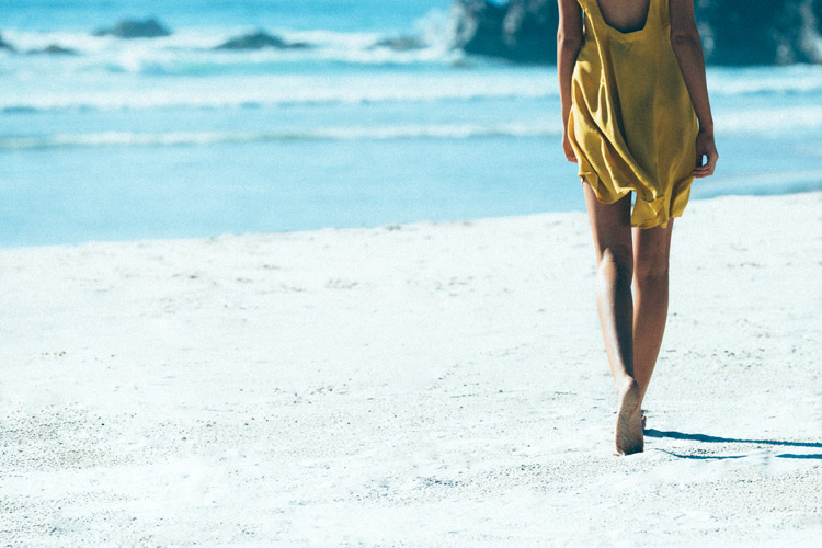 Byron Bay photographer David Hauserman shoots fashion campaign for Rowie featuring Model Natalie Sole
